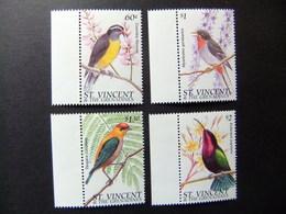 ST. VINCENT The GRENADINES 1996 Faune Oiseaux Yvert  2879 / 2882 ** MNH - St.Vincent Y Las Granadinas