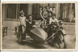 CARTE-PHOTO.....MOTO......SIDE - CAR...... à  6 , Sur Et Dans Le Side..... - Motos