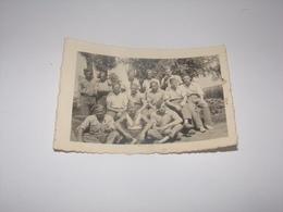Photo Groupe De Soldats Prisonniers Stalag XVII B Avec Mathieu Maurice De Rienne Gedine Namur. - Guerre, Militaire