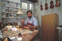 - 64 - Bayonne (64) - Métier - Luthier - Bayonne