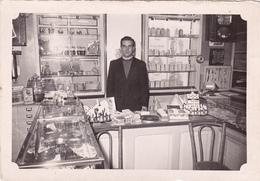 Photographie Originale 12 X 17 Real Photography Métier Horloger Parfumeur Parfum (31) TOULOUSE 1952 (2 Scans) - Beroepen