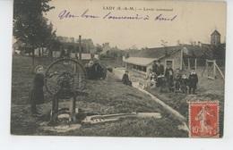 MORMANT (environs) - LADY - Lavoir Communal - Mormant