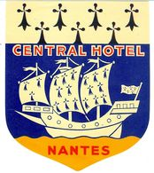 CENTRAL HOTEL NANTES ANCIENNE ETIQUETTE D HOTEL POUR BAGAGES - Etiquettes D'hotels