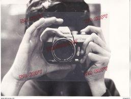Au Plus Rapide Le Photographe Photographié Années 70 Appareil Photographique Beau Format - Personnes Anonymes