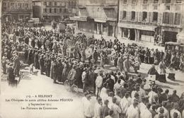 Belfort - Les Obsèques De Notre Célèbre Aviateur Pégoud - 3 Septembre 1915 - Les Porteurs De Couronnes - Belfort - Ville