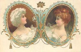 FEMME  Femmes Dans Cadre Ovale Très Belle Gaufrée 2scans - Women