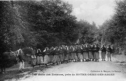 Clichy-sous-Bois Notre-Dame-des-Anges Très Animée Les Zouaves Militaria - Clichy Sous Bois