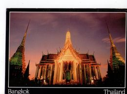 U2574 Postcard THAILAND: BANGKOK - Overview Of The Royal Pantheon And Gold Stupas In Honour Of The King's Birthday - Tailandia