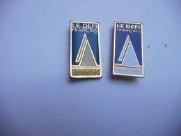 Deux Pin's Sur La Marine Bateau Voilier , America's Cup 1992 , Tôle Peinte & époxy - Barcos