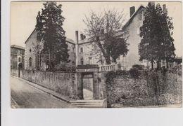 CARTE POSTALE   BOURBON L'ARCHAMBAULT 03  Maison St Joseph - Bourbon L'Archambault