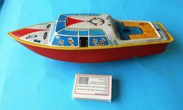 BOAT Lithographed Wind-up Metal Tin Toy ( Made In West Germany ) Original Vintage * Ship Bateau Jep En Tole Deutschland - Toy Memorabilia