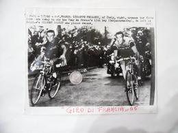 FOTO CICLISMO GIRO DI FRANCIA 1965  GIUSEPPE FEZZARDI GILBERT DESMET. - Ciclismo