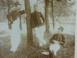 Photo Sur Carton Trois Militaires 1897 - Guerre, Militaire