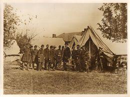 PHOTO  USIS - Président ABRAHAM LINCOLN Avec Un Général Nordiste - ANTIETAM  3 Oct 1862 - Reproductions