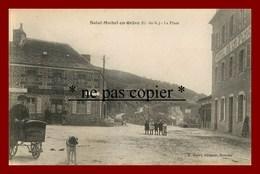 Saint Michel En Grève * La Place * Chiens *  Marchand De Café De Lannion - Saint-Michel-en-Grève
