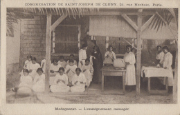 Madagascar - Femmes - Enseignement Ménager - Congrégation Cluny Paris - Madagascar