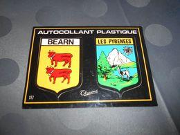 6495 - CPSM , Carte Autocollant, Le BEARN Et Les PYRENEES , Par Thouand - France