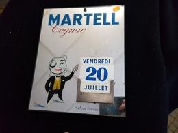 Pub Offert Par Le COGNAC MARTEL Glace En Verre Publicité Calendrier Miroir ILLUSTRATION Homme Monocle - Alcools