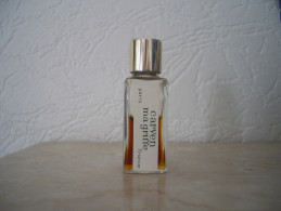 Miniature Carven Ma Griffe Bc Doré 5cm Haut Bouchon Vissé Opercule Caout. - Miniature Bottles (in Box)
