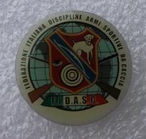 Pin's Tir à L'Arc . F I D A S C . Armes Sportives Carabaine - Archery