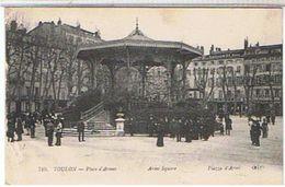 83 TOULON   PLACE  D' ARMES   TRES ANIMEES    1G432 - Toulon