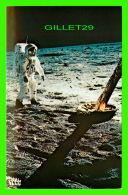 TRANSPORTS, ESPACE - JOHN F. KENNEDY SPACE CENTER N.A.S..A. - ASTRONAUT EDWINN ALDRIN Jr ON THE MOON APOLLO 11 EVA - - Space