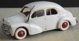VOITURE 4CV RENAULT - Les Miniatures NOREV Made In France 1/43e - Bon Etat - Norev