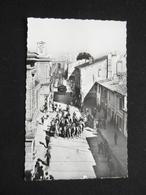 CP AIGUES MORTES UNE ABRIVADO DANS LA CITE ANIMEE CHEVAU ET GUARDIANS (30 GARD) PHOTO VERITABLE - Aigues-Mortes
