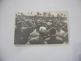 FOTO CICLISMO 39°GIRO D'ITALIA 1956 AUTO D'EPOCA MOTO GUZZI. - Ciclismo
