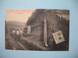 CPA  Viêt-Nam  Tonkin Yen-Thê - Soldats Du 10è Colonial Construisant Les Tranchés Du Poste Dong-Co  Pour La France 1909 - Vietnam