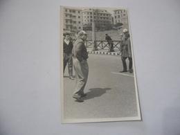 FOTO CICLISMO GUERRA  39°GIRO D'ITALIA 1956 AUTO D'EPOCA MOTO GUZZI. - Ciclismo