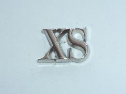 Pin's X S  ARGENT, Signe A.B. - Arthus Bertrand