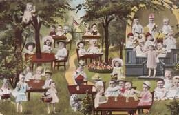 Baby's, Bébés, Around Tables, Playing Cards , Etc... (pk43923) - Cartes Humoristiques