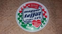 Sour Cream Saure Sahne Creme Crema Agria Top Label Etikette Etiqueta Hungary - Etiketten