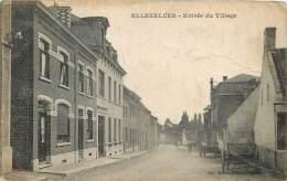 Ellezelles - Entrée Du Village - Légérement Chiffonée - Ellezelles