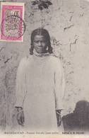 AK-161 MADAGASCAR Femme Sianaka - Madagascar