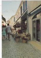 ST-MARIE-de-la-MER : Rue Piétonne  (magasins) - Saintes Maries De La Mer