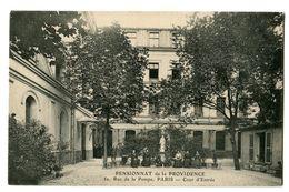 CPA 75 Paris Pensionnat De La Providence Cour D'Entrée Animé - Enseignement, Ecoles Et Universités
