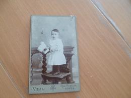 Photo CDV Fin 19ème Début 20ème Nimes Vidal Nîmes Enfant Et Jouet Ancien - Personnes Anonymes