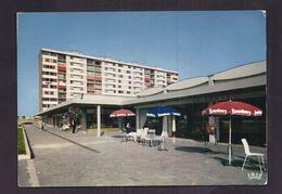 CPSM 95 - GARGES-les-GONESSE - Vue Partielle Du Centre Commercial Principal TB PLAN IMMEUBLE Café LE PARIS - Garges Les Gonesses