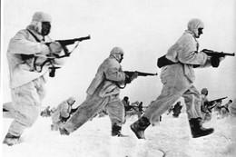 WW2 - Contre-attaque De L'infanterie Soviétique Devant Moscou En 1941 - 1939-45