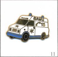Pin's Médical / Santé - Ambulance Du Samu Ronis. Non Estampillé. Zamac Fin. T580-11 - Medical