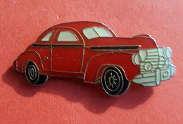 "Pin's : ""ANCIENNE VOITURE   ""   Joli - Peugeot"