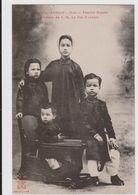 CARTE POSTALE   ANNAM.HUE.Famille Royale Enfants De S.M. Le Roi D'Annam - Vietnam