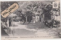 74 Evian-les-Bains - Cpa / Etablissement Du Châtelet. Le Parc Et La Buvette Du Soir.. - Evian-les-Bains