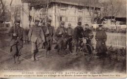 Guerre 14/18  Un Prisonnier Allemand Dans Un Village De La Haute-Alsace Sur La Ligne De Front - Oorlog 1914-18