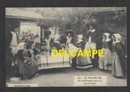 DF / FOLKLORE ET TRADITIONS / AU PAYS DE GUÉRANDE 44, MARIAGE, LE TRADITIONNEL CADEAU DU JOUR DE NOCES - Europe