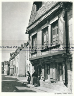 Photo (1973) : LA CROISIC (Loire-Atlantique) Vieilles Maisons, Femmes - Vieux Papiers