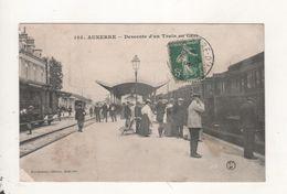 Auxerre Escente D Un Train En Gare - Auxerre