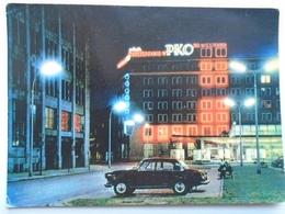 D157110 POland WARSZAWA  - Ulica Bracka  Noca      -auto  Car - Turismo